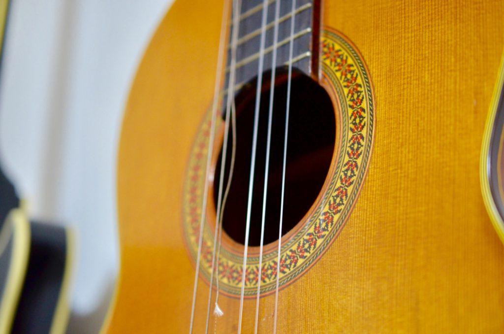 ジャンク品扱いされるリスクのある弦なしギター